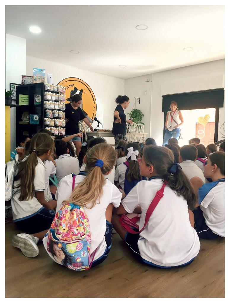 la visita de un colegio en el lobo lópez