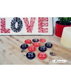 "CHAPAS ""LOVE IS IN THE AIR"""
